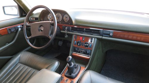 1984 MERCEDES W126 280 SE MANUAL For Sale (picture 4 of 6)