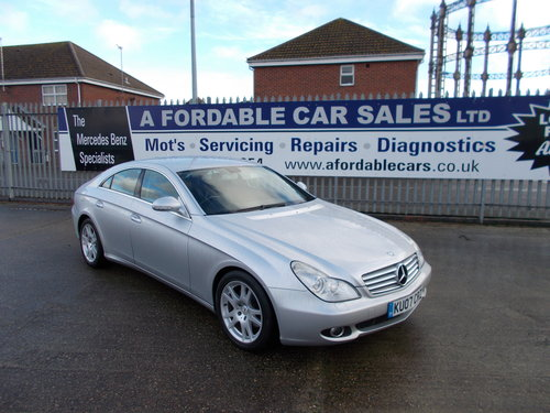 2007 Mercedes-Benz CLS 320 CDi Auto 2 Owners from New !! For Sale (picture 1 of 6)