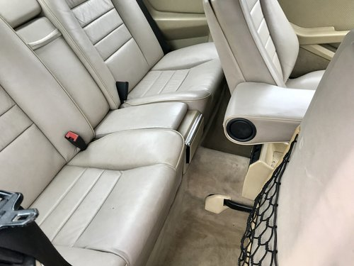 1986 MERCEDES 560sec  For Sale (picture 5 of 6)