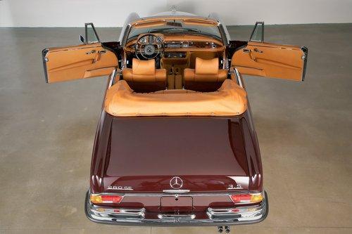 1970 Restored Mercedes 280 SE 3.5 Cabriolet For Sale (picture 2 of 6)