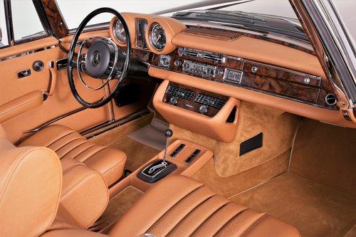 1970 Restored Mercedes 280 SE 3.5 Cabriolet For Sale (picture 3 of 6)
