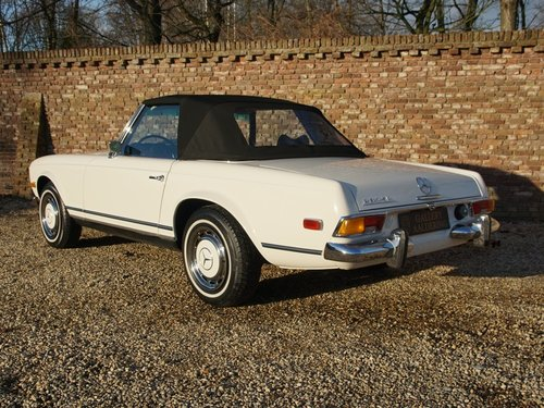 1970 Mercedes Benz 280SL Pagode manual, fully restored condition For Sale (picture 2 of 6)