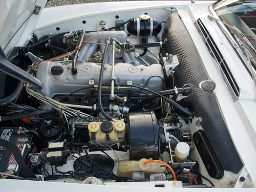1970 Mercedes Benz 280SL Pagode manual, fully restored condition For Sale (picture 4 of 6)