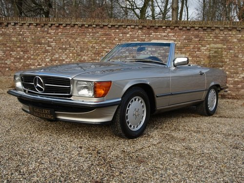 1988 Mercedes Benz 560SL W107 only 55.258 miles, SUPERB CONDITION For Sale (picture 1 of 6)