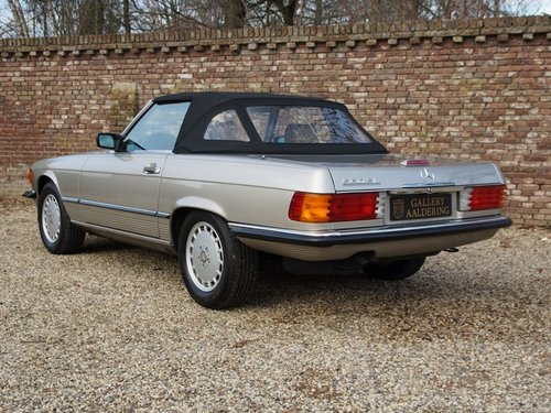 1988 Mercedes Benz 560SL W107 only 55.258 miles, SUPERB CONDITION For Sale (picture 2 of 6)