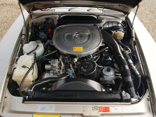 1988 Mercedes Benz 560SL W107 only 55.258 miles, SUPERB CONDITION For Sale (picture 4 of 6)