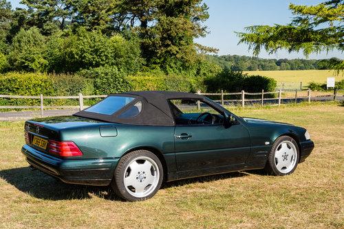2001 Mercedes Benz SL320 Designo in Allanite Green For Sale (picture 3 of 6)