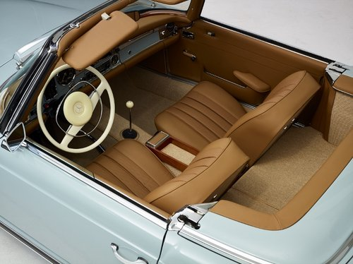 Highly restored Mercedes 280 SL Pagoda with hardtop 1968 SOLD (picture 2 of 6)