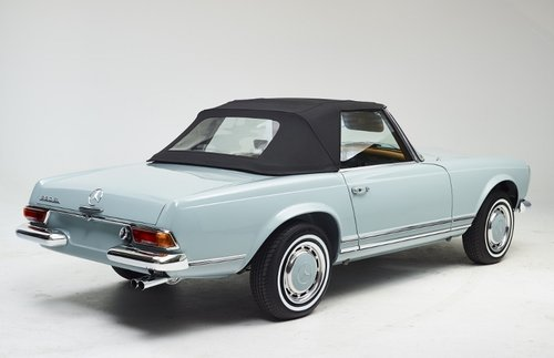 Highly restored Mercedes 280 SL Pagoda with hardtop 1968 SOLD (picture 4 of 6)
