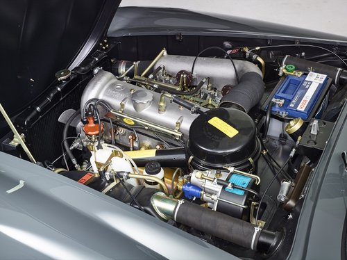 Luxury Mercedes 190 SL Roadster completely restored 1958 For Sale (picture 3 of 6)