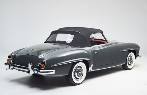 Luxury Mercedes 190 SL Roadster completely restored 1958 For Sale (picture 5 of 6)