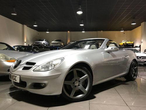 2004 Mercedes SLK350 18INCH AMG ALLOYS HEATED SEATS AIRSCARF For Sale (picture 1 of 6)
