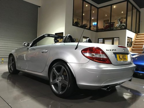 2004 Mercedes SLK350 18INCH AMG ALLOYS HEATED SEATS AIRSCARF For Sale (picture 2 of 6)