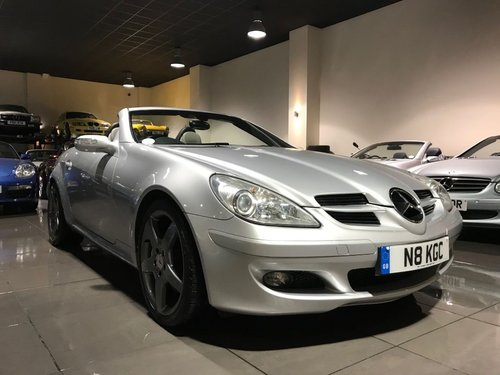 2004 Mercedes SLK350 18INCH AMG ALLOYS HEATED SEATS AIRSCARF For Sale (picture 3 of 6)