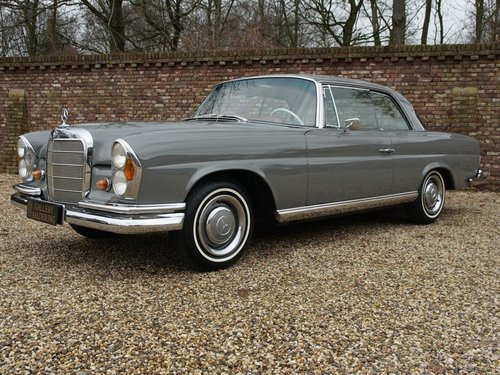 1967 Mercedes Benz 250SE Coupe matching numbers and colours, rare For Sale (picture 1 of 6)