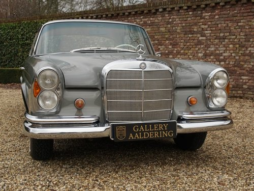 1967 Mercedes Benz 250SE Coupe matching numbers and colours, rare For Sale (picture 5 of 6)