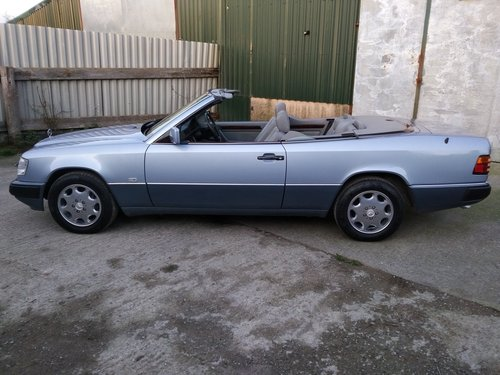Mercedes 320CE Cabriolet 3.2 litre 6 Cyl 1993K For Sale (picture 2 of 6)