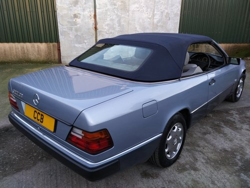 Mercedes 320CE Cabriolet 3.2 litre 6 Cyl 1993K For Sale (picture 3 of 6)