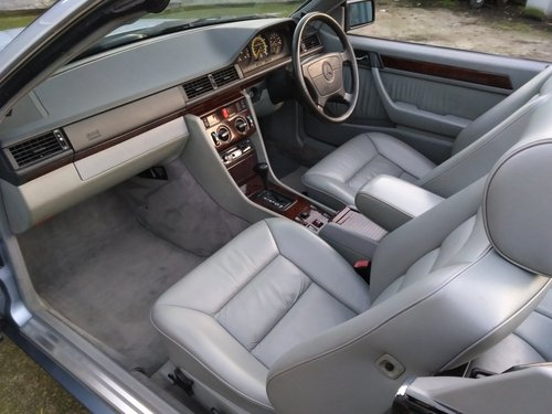 Mercedes 320CE Cabriolet 3.2 litre 6 Cyl 1993K For Sale (picture 5 of 6)