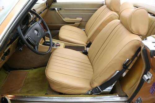 1972 Mercedes-Benz 350SL With 2 Tops For Sale (picture 4 of 6)