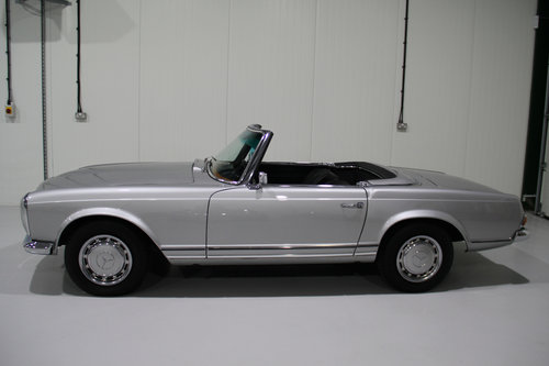 1967 Mercedes Benz 250SL W113 Pagoda Restored For Sale (picture 2 of 6)