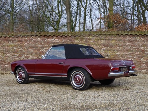 1967 Mercedes Benz 250SL Pagode long-term ownership, well documen For Sale (picture 2 of 6)