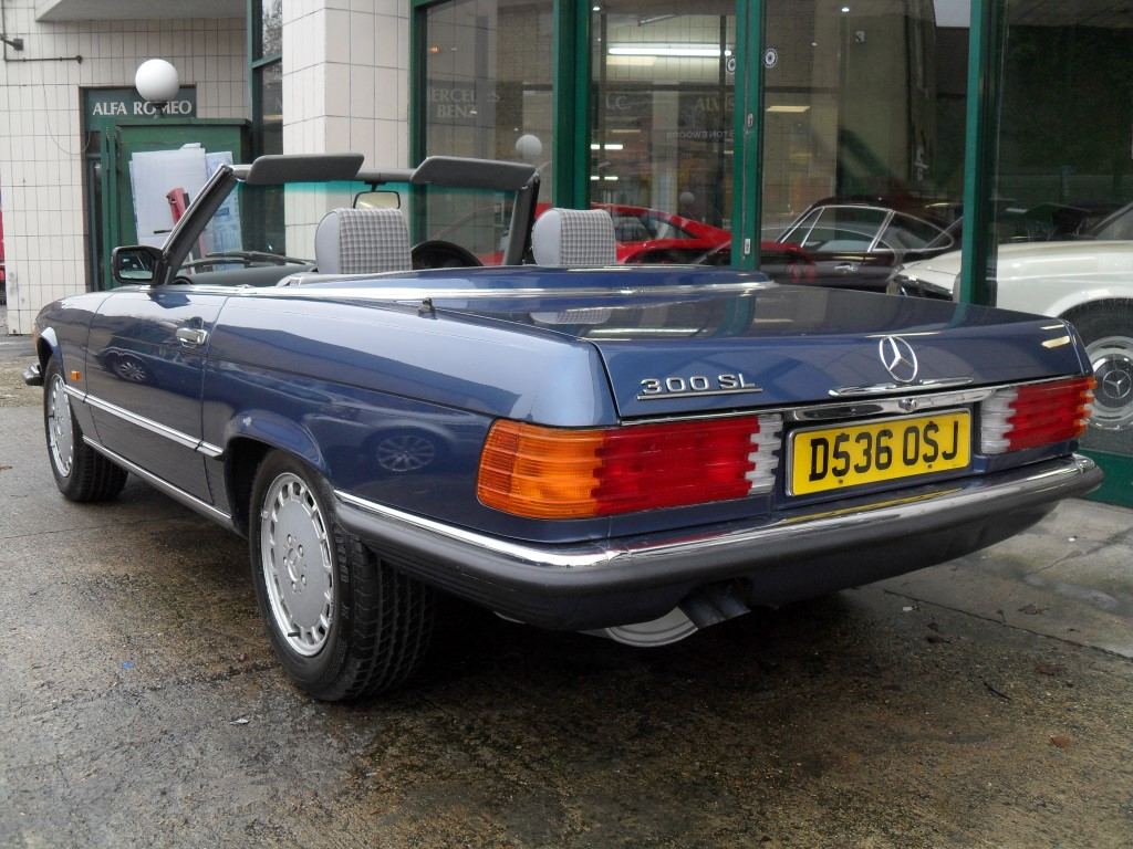 1987 Mercedes Benz 300 SL For Sale (picture 3 of 5)