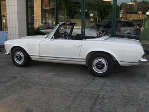 1967 Mercedes Benz 250SL Pagoda just had £70K restoration For Sale