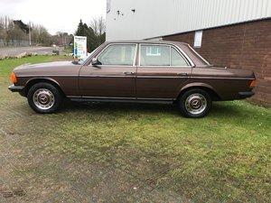 1985 Mercedes Benz W123, 230E,4 Door,Automatic For Sale