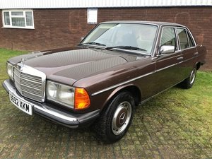 1985 Mercedes Benz W123, 230E,4 Door,Automatic For Sale