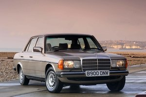 1984 Rare High Specification W123 For Sale
