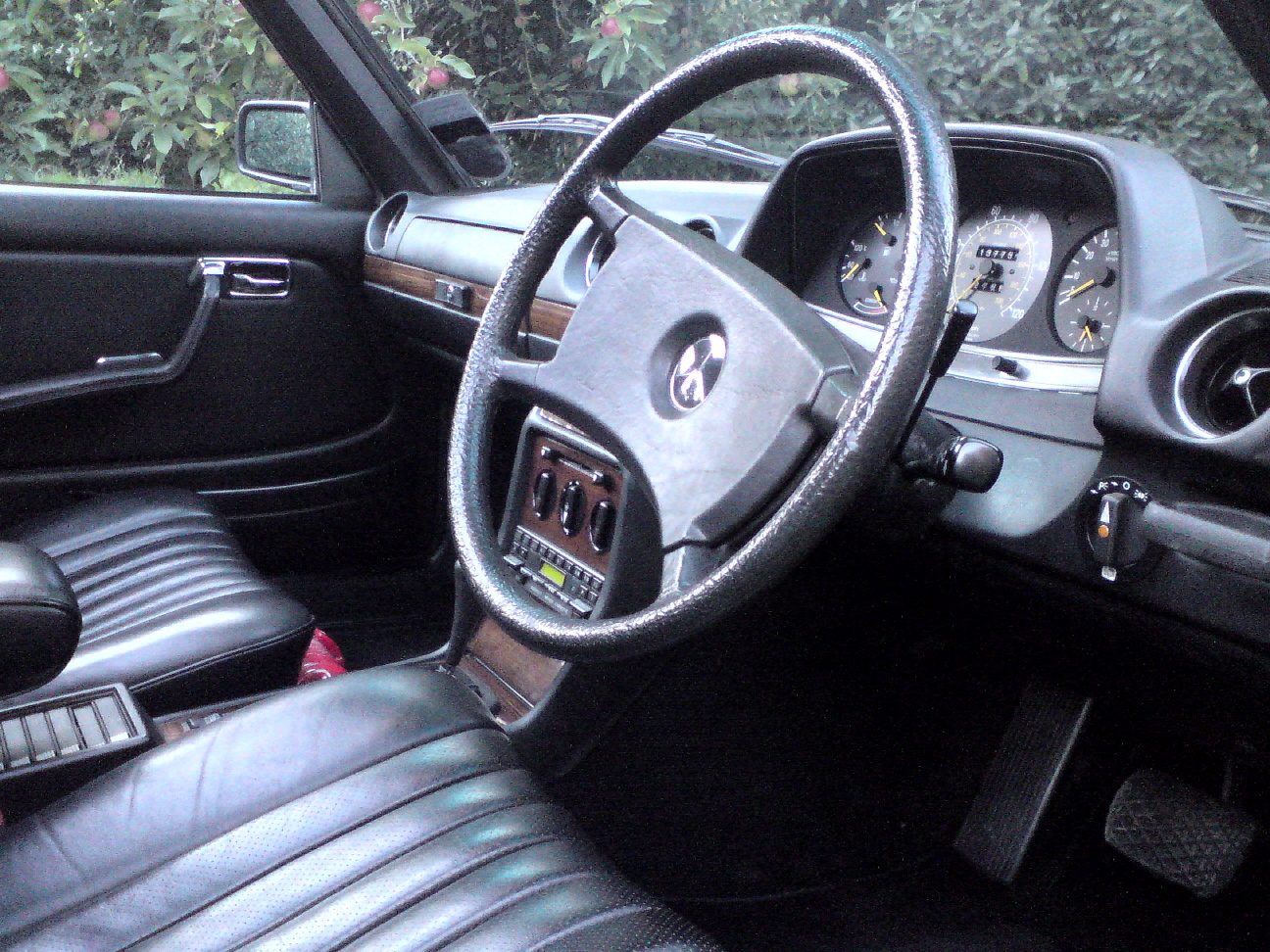 1984 Rare High Specification W123 For Sale (picture 4 of 6)