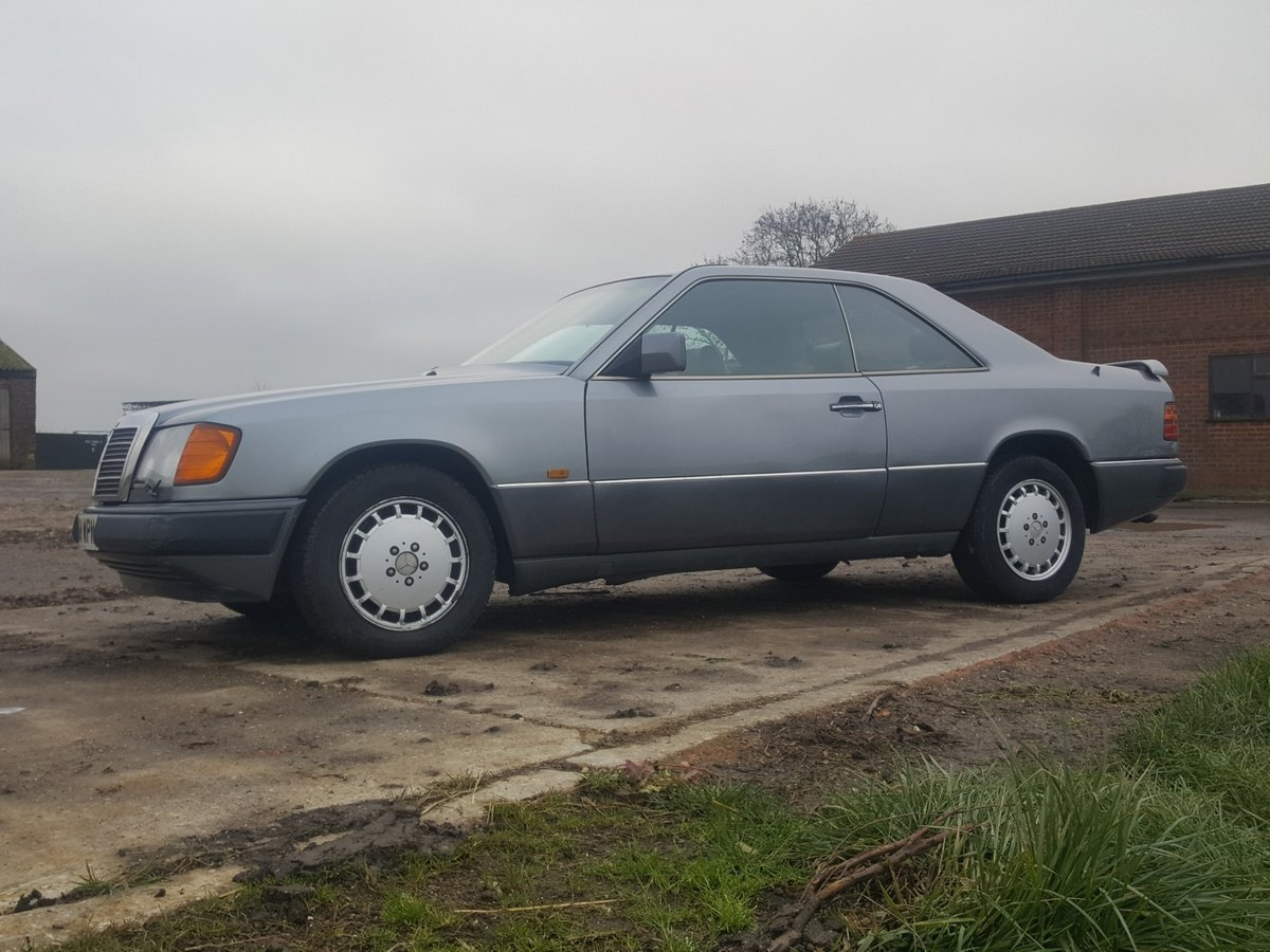 1990 Rare Mercedes 300CE-24 one of the oldest surviving For Sale (picture 2 of 6)