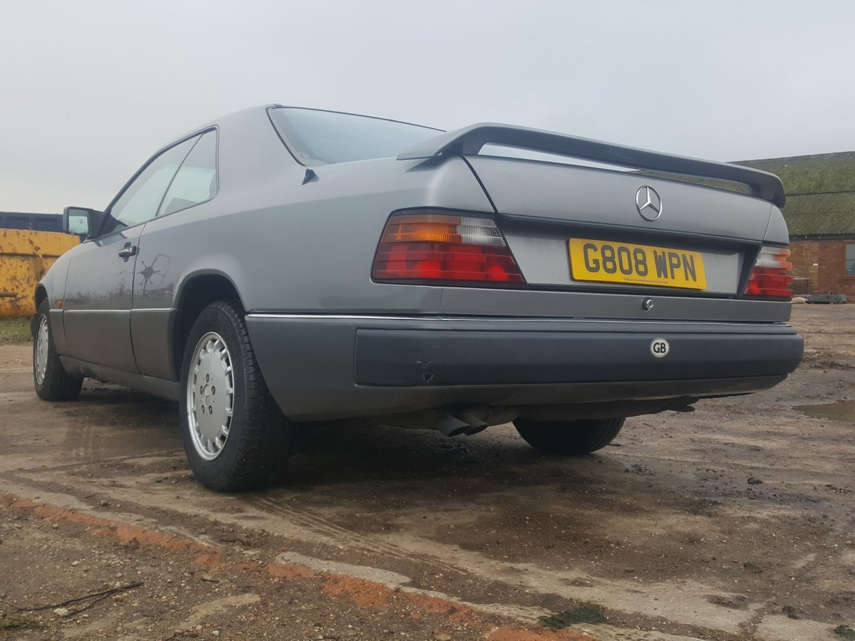 1990 Rare Mercedes 300CE-24 one of the oldest surviving For Sale (picture 3 of 6)