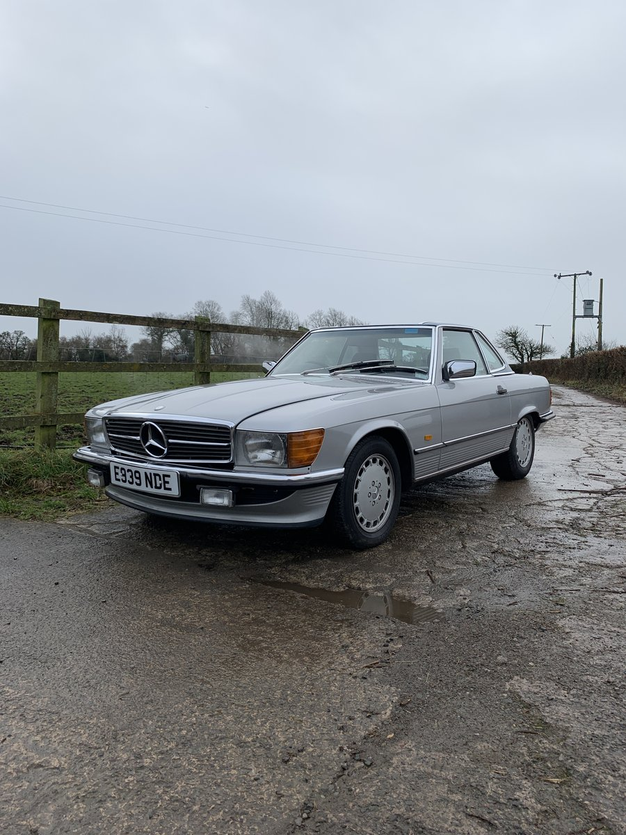1987 1 family owned SL 300 Mercedes SOLD (picture 1 of 6)