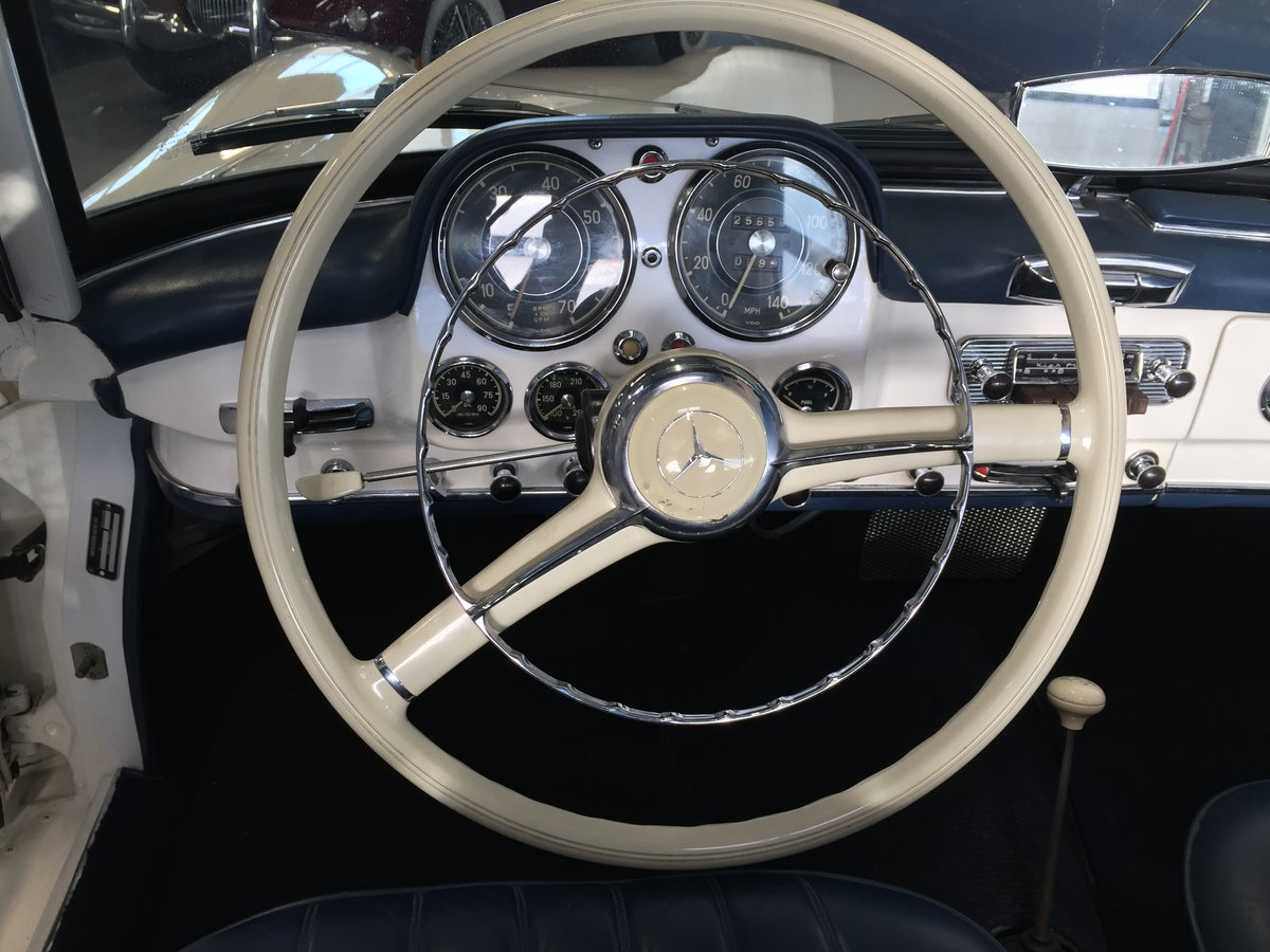 1961 Mercedes 190 SL with Hardtop For Sale (picture 4 of 6)