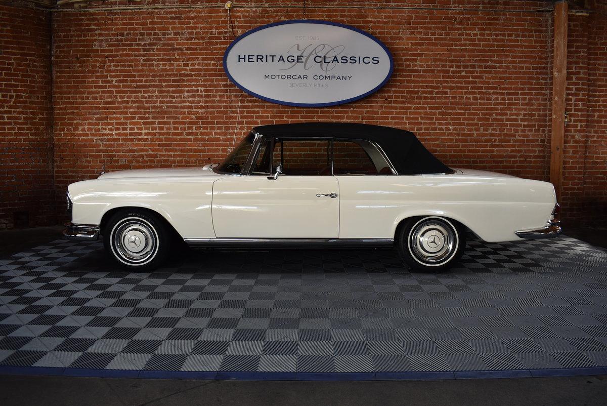 1967 Mercedes-Benz 250SE Cabriolet  SOLD (picture 2 of 6)