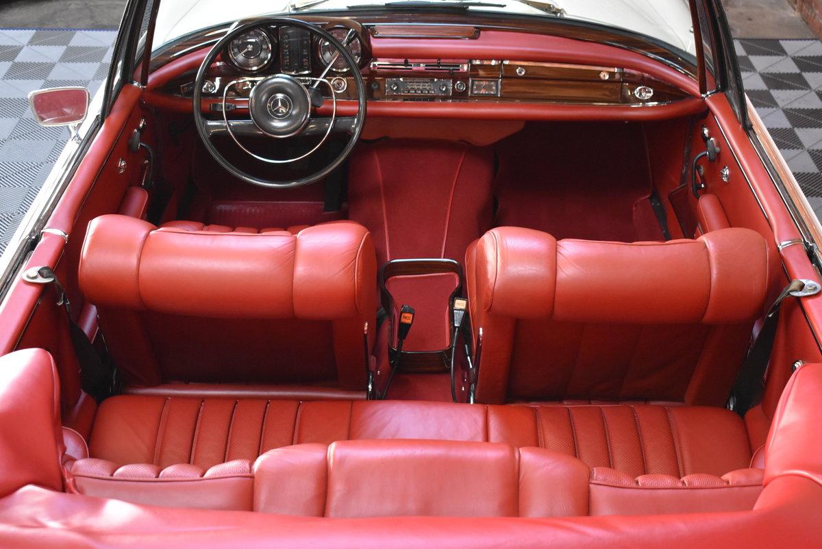 1967 Mercedes-Benz 250SE Cabriolet  SOLD (picture 4 of 6)