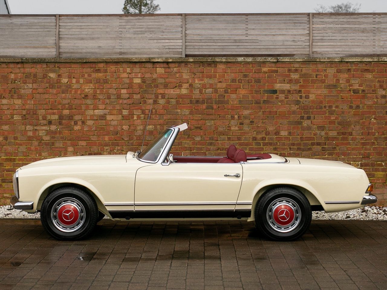 1969 Mercedes-Benz 280 SL Pagoda For Sale (picture 2 of 6)