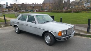 1981 Mercedes W123 300D For Sale