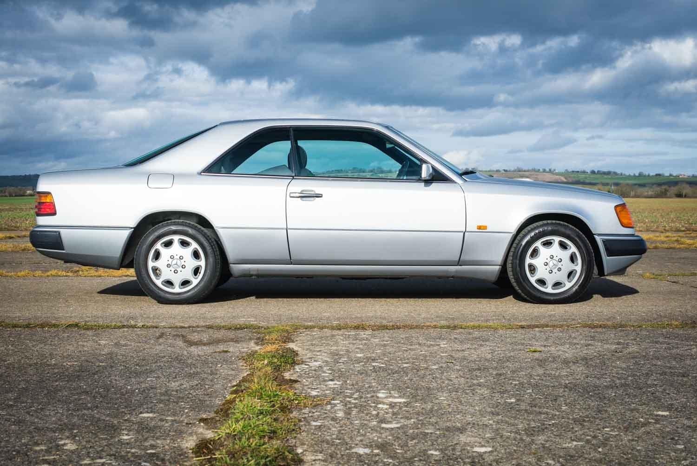 1993 Mercedes-Benz W124 220CE - Rare Sports Check - FSH SOLD (picture 3 of 6)
