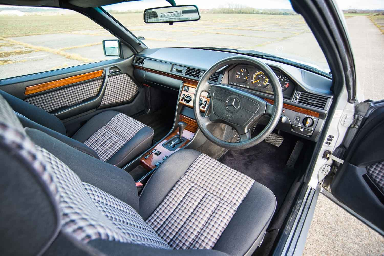 1993 Mercedes-Benz W124 220CE - Rare Sports Check - FSH SOLD (picture 4 of 6)