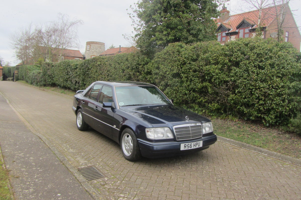 1998 Mercedes E220 W124  very low mileage For Sale (picture 1 of 6)