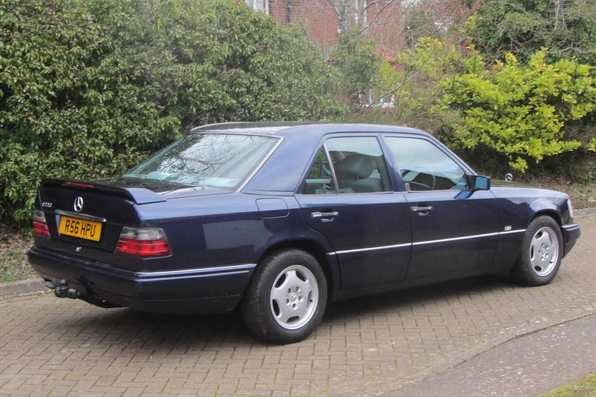 1998 Mercedes E220 W124  very low mileage For Sale (picture 3 of 6)