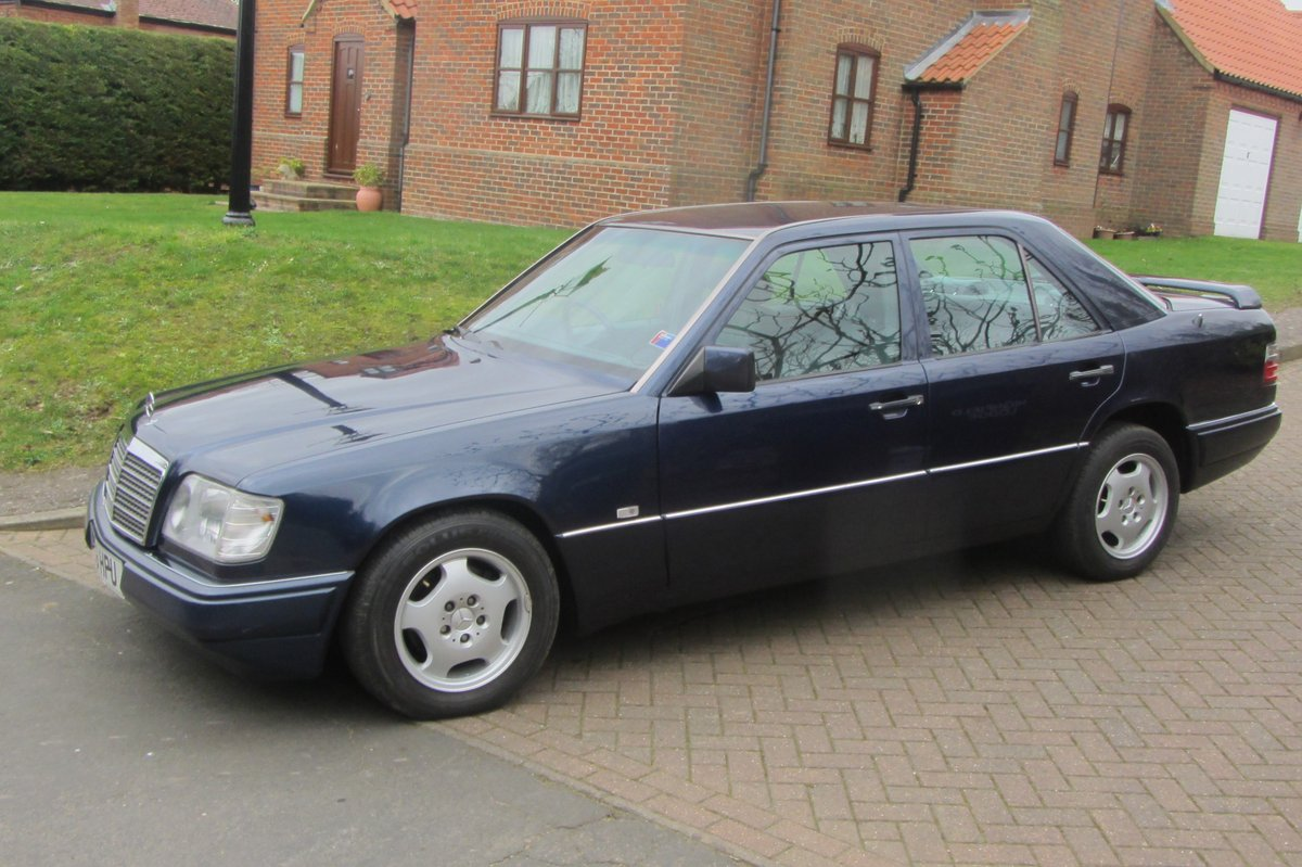 1998 Mercedes E220 W124  very low mileage For Sale (picture 6 of 6)