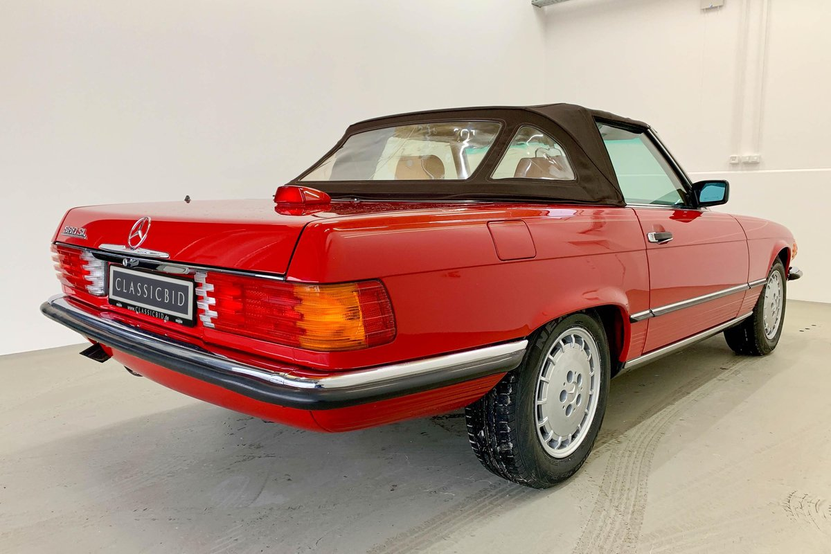 1987 Mercedes 560 SL *9 March* RETRO CLASSICS  SOLD by Auction (picture 4 of 6)