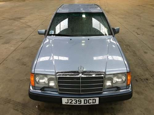 1992 Mercedes 260E Auto at Morris Leslie Auction SOLD by Auction (picture 3 of 6)