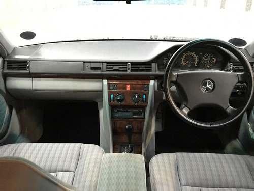 1992 Mercedes 260E Auto at Morris Leslie Auction SOLD by Auction (picture 6 of 6)