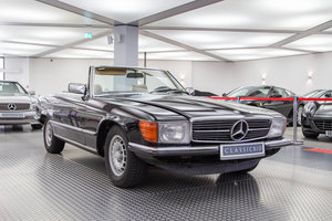 1982 Mercedes 500 SL (R107) *9 march* RETRO CLASSICS