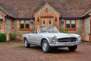 1969 Fully Restored Manual Mercedes 280SL Pagoda RHD  For Sale